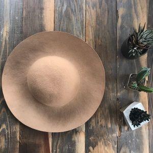 Accessories - Trendy bucket hat